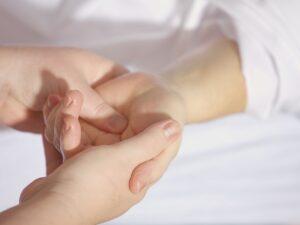 Handgelenkschmerzen im Alltag